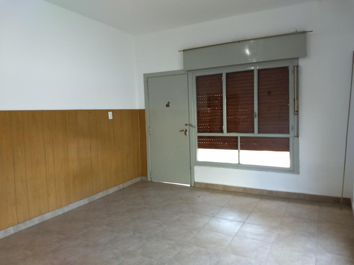 Foto Casa en Venta en  General Pinto,  General Pinto  Comandante  Córdoba  350, General Pinto