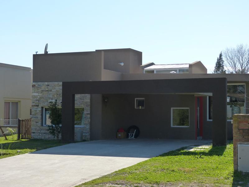 Foto Casa en Venta en  Lujan Del Sol,  Countries/B.Cerrado  B° Cerrado Lujan del Sol , Hermosa casa