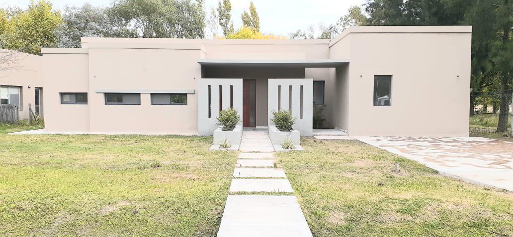 Foto Casa en Venta en  Los Cardales,  Countries/B.Cerrado (Campana)  Casa a Estrenar en Barrio El Cardal