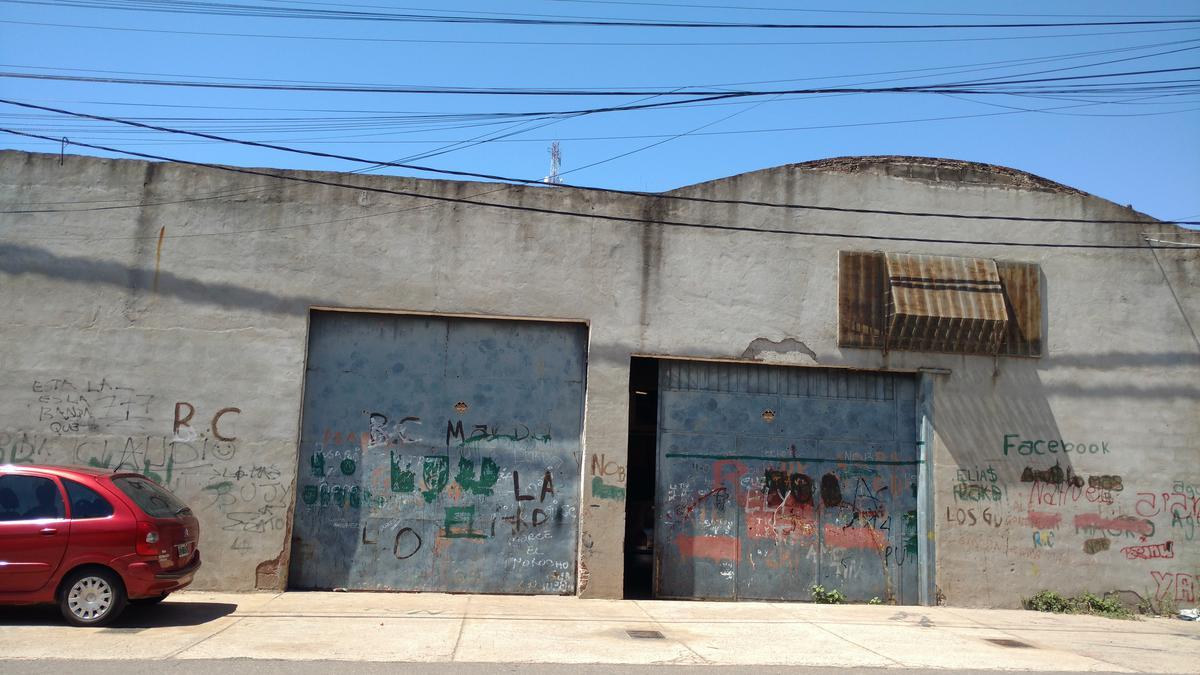 Foto Galpón en Venta en  Zona Oeste,  Rosario  Velez Sarsfield 6370