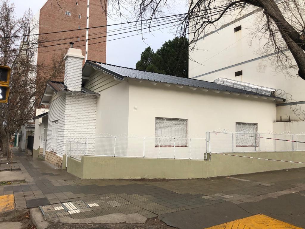 Foto Casa en Alquiler en  Neuquen,  Confluencia  Santiago del Estero y Belgrano. Casa para Vivienda u Oficina en Alquiler