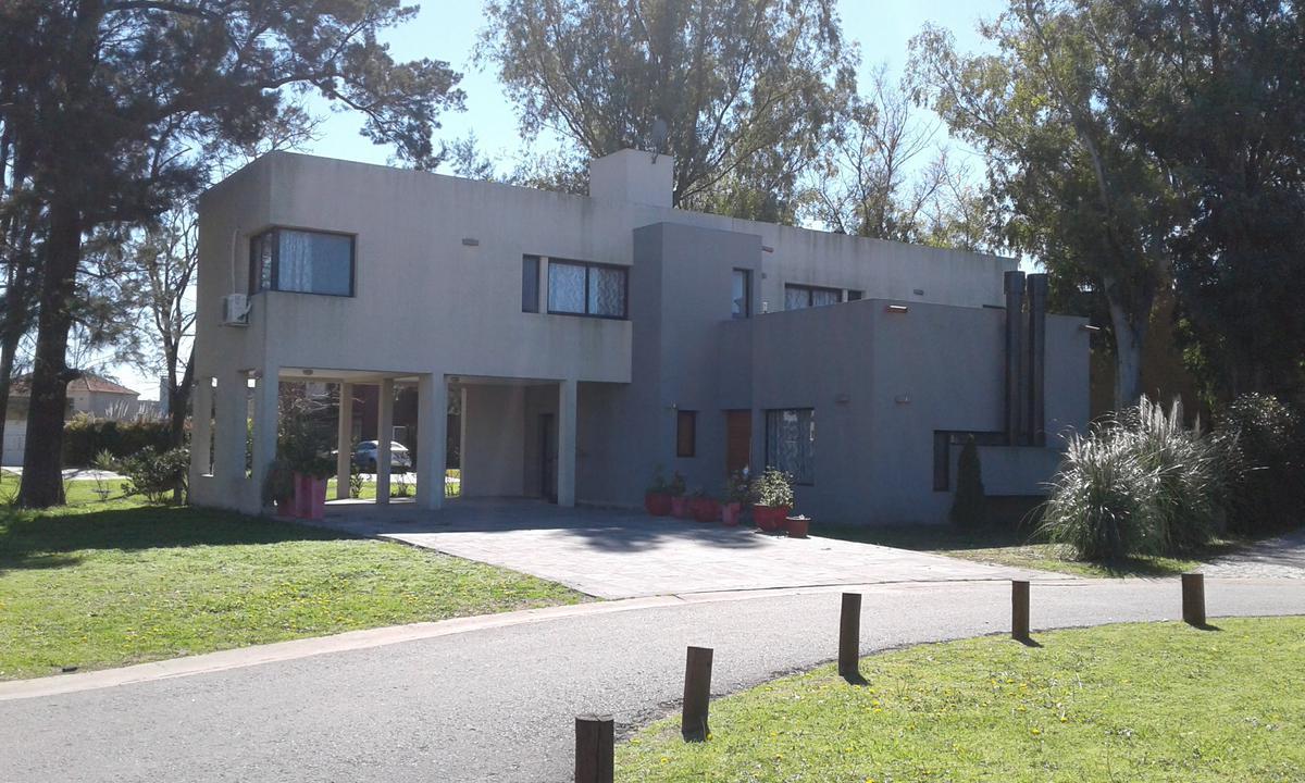 Foto Casa en Venta en Atahualpa 5, Moreno   Countries/B.Cerrado   Haras Maria Victoria