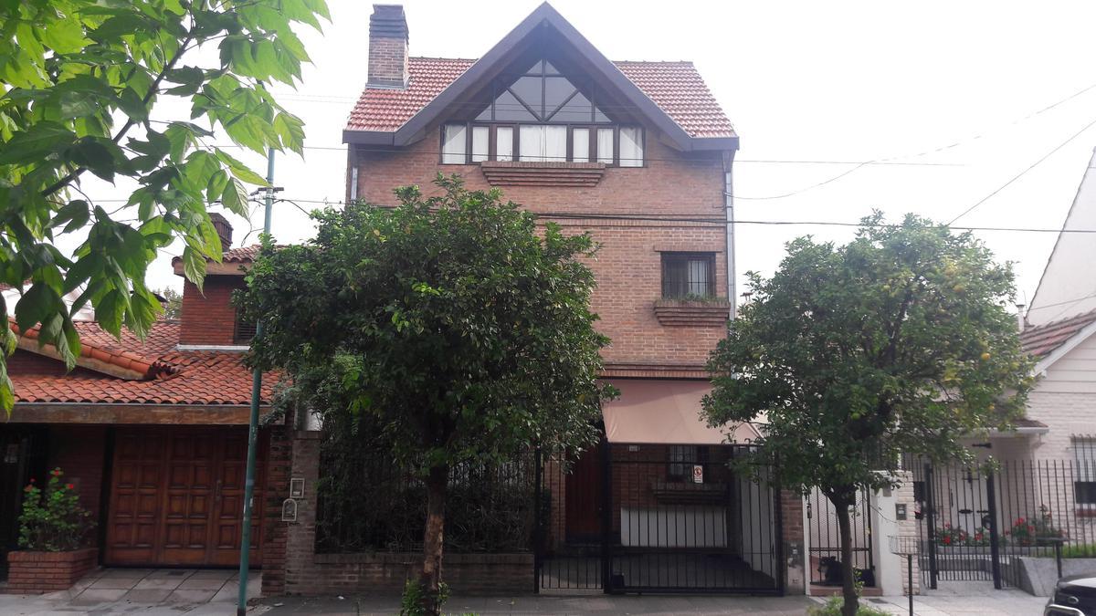 Foto Casa en Venta en  La Lucila-Vias/Maipu,  La Lucila  Anchorena  al 1100