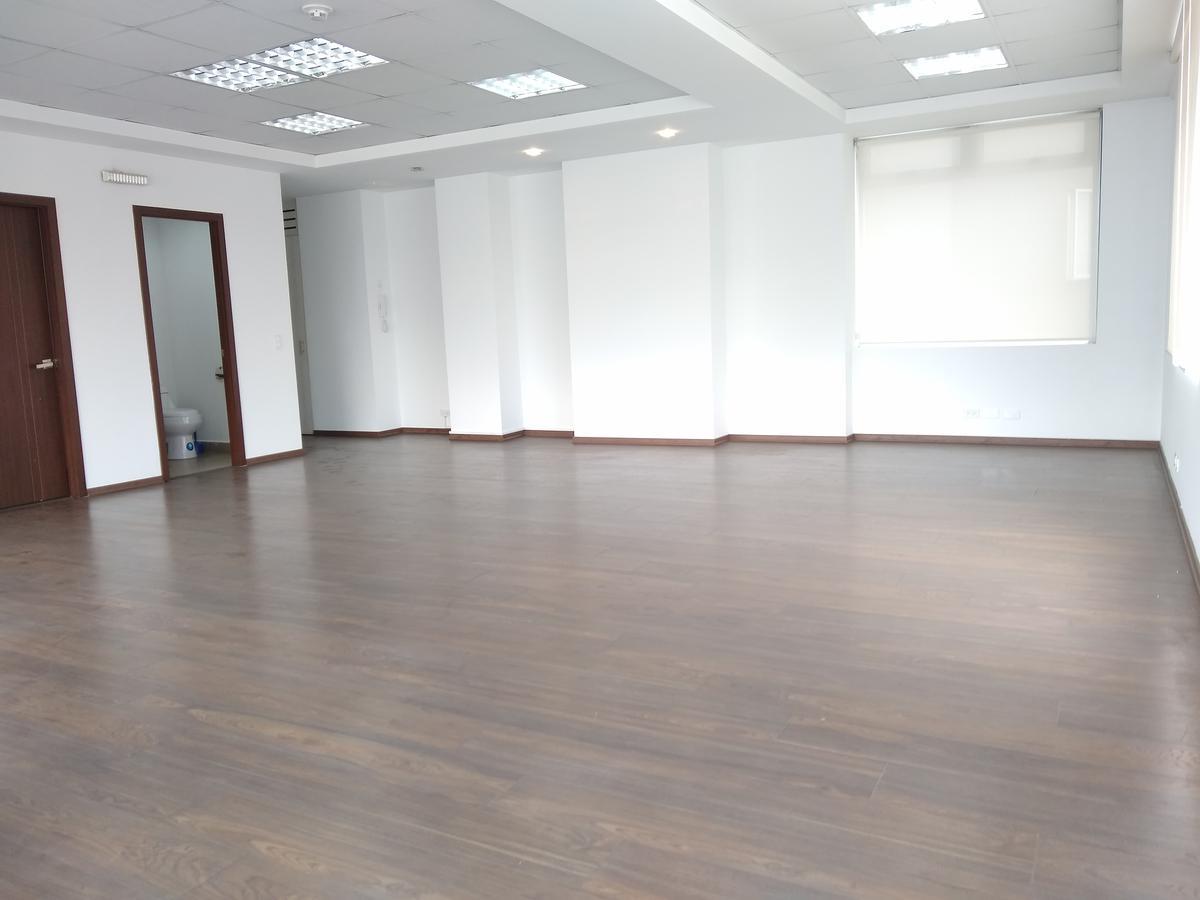 Foto Oficina en Alquiler en  La Carolina,  Quito  Eloy Alfaro y Shyris