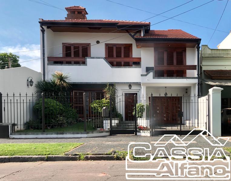 Foto Casa en Venta en  Lomas de Zamora Este,  Lomas De Zamora  SARANDI 410