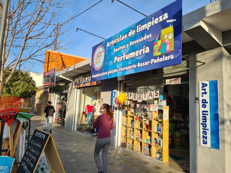 Foto Local en Venta en  Alta Gracia,  Santa Maria  Tres locales en venta - Av Hipólito Irigoyen