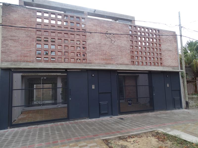 Foto Casa en Venta en  La Plata ,  G.B.A. Zona Sur  Calle 118 530 y 531