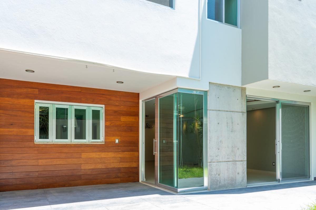 Foto Casa en condominio en Venta en  Fraccionamiento Milenio,  Querétaro  CASA EN VENTA PRIVADA BLANK HAUS COTO CLUB TERRAZA Y JARDÍN