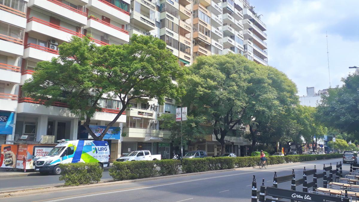 Foto Departamento en Alquiler en  Centro,  Rosario  Avenida Pellegrini 1243 11-01