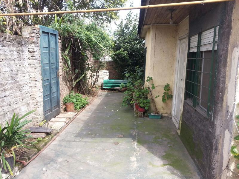 Foto Casa en Venta en  Villa Luzuriaga,  La Matanza  Colonia al 200