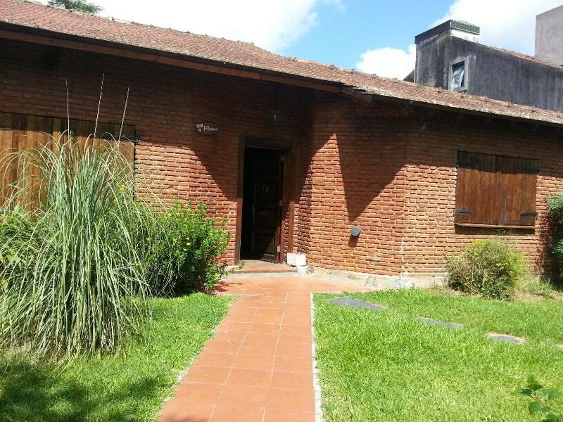 Foto Casa en Venta |  en  Centro,  Ingeniero Maschwitz  Corrientes al 700