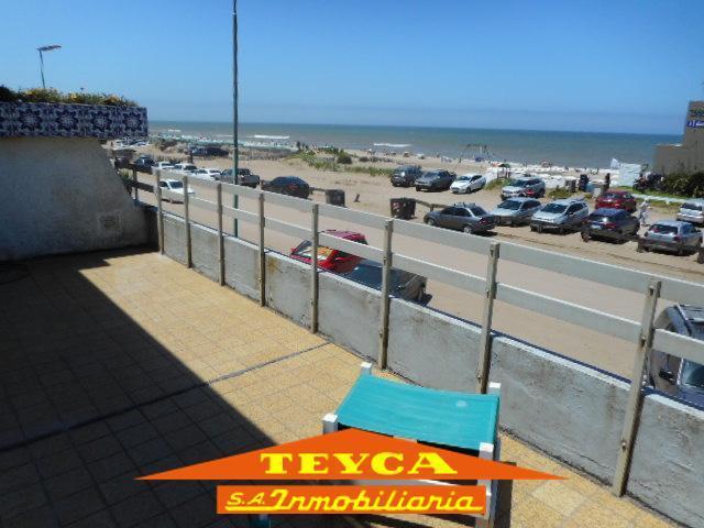 Foto Departamento en Venta en  Centro Playa,  Pinamar  Av. del Mar 210 E/ Gaviotas y Acacias