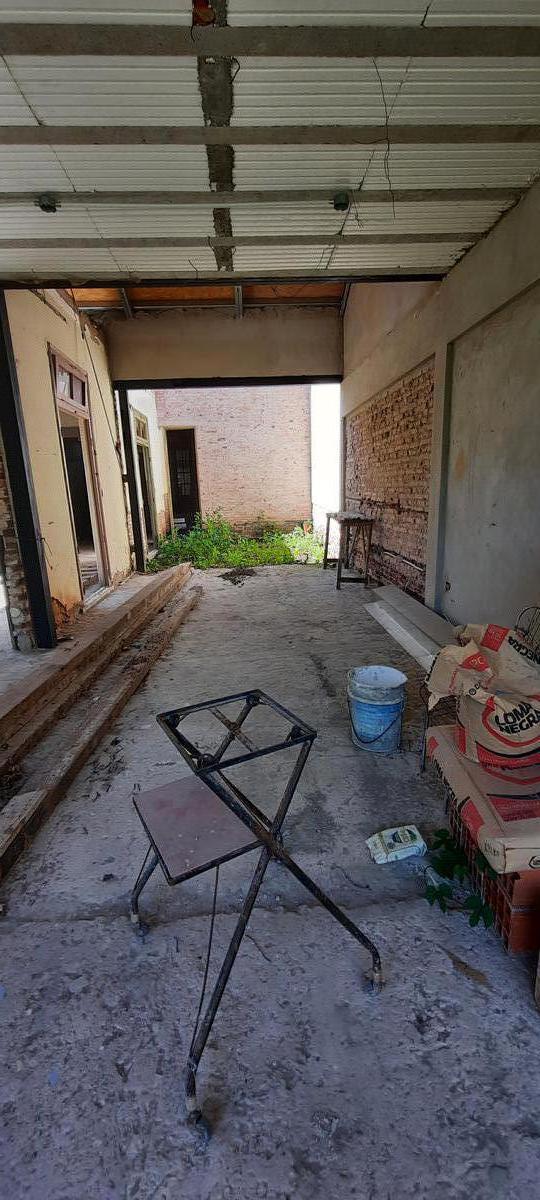 Foto Casa en Venta en  La Plata,  La Plata  67 Nro 1075