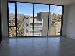 Foto Departamento en Alquiler en  Miravalle,  Quito          HERMOSO DEPARTAMENTO VENTA Y/O RENTA MIRAVALLE 4, 3 DORM, 145 MTS