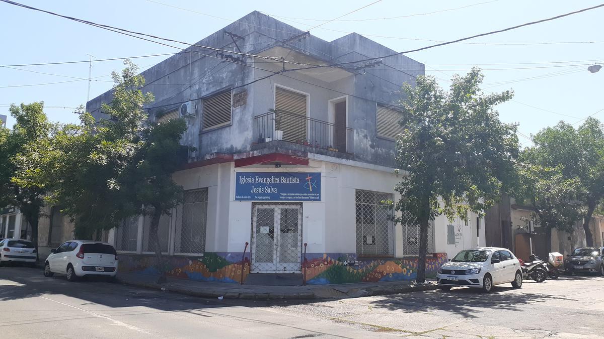 Foto Local en Venta en  Concordia ,  Entre Rios  Casa + local zona céntrica