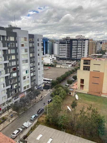 Foto Departamento en Alquiler en  La Carolina,  Quito  LA CAROLINA - CERCA AL CCI, PENTHOUSE DE RENTA, AMOBLADO DE 121 m2