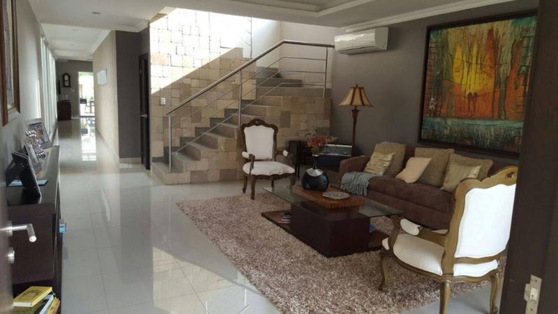 Foto Casa en Venta en  Samborondón,  Guayaquil  Casa Venta en Isla Mocoli de estreno, diseño vanguardista