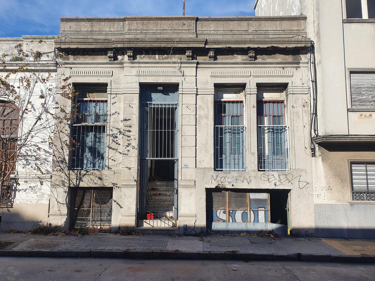 Foto Casa en Venta en  Aguada ,  Montevideo  CASA A RECICLAR PROX AL PALACIO LEGISLATIVO