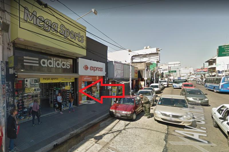 Foto Local en Alquiler en  Caseros,  Tres De Febrero      Av San Martin 2218 LOCAL, e/ Sabattini y J.B. Alberdi, Caseros, Pcia. de Buenos Aires