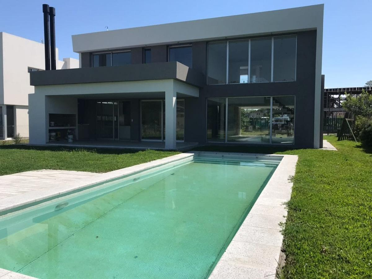 Foto Casa en Venta | Alquiler en  Fincas de Hudson,  Countries/B.Cerrado (Berazategui)  Fincas de Husdon P15