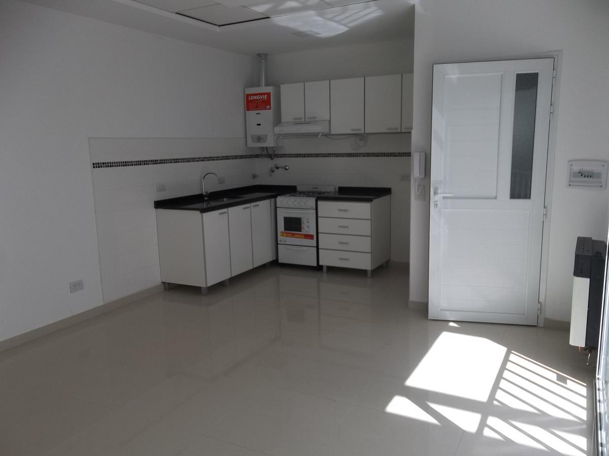 Foto Departamento en Alquiler en  Parque,  Rosario  Pje. Tiscornia 2888  01-02