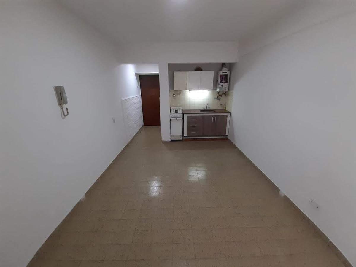 Foto Departamento en Alquiler en  Avellaneda ,  G.B.A. Zona Sur  maipu 33