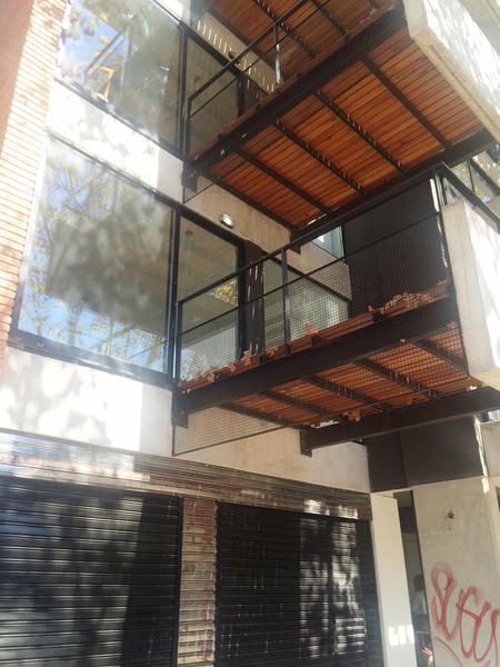 Foto Departamento en Alquiler en  Lomas De Zamora ,  G.B.A. Zona Sur  PEREYRA LUCENA 702 1°A