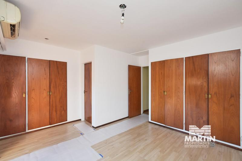 Foto Casa en Venta en  Mart.-Santa Fe/Fleming,  Martinez  PARANA al 3000