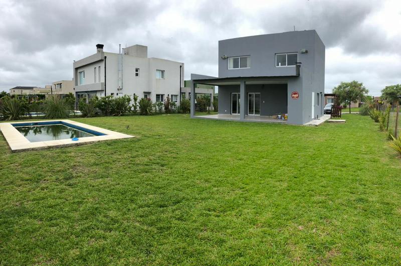 Foto Casa en Alquiler en  La Horqueta de Echeverría,  Countries/B.Cerrado  LA HORQUETA DE ECHEVERRIA
