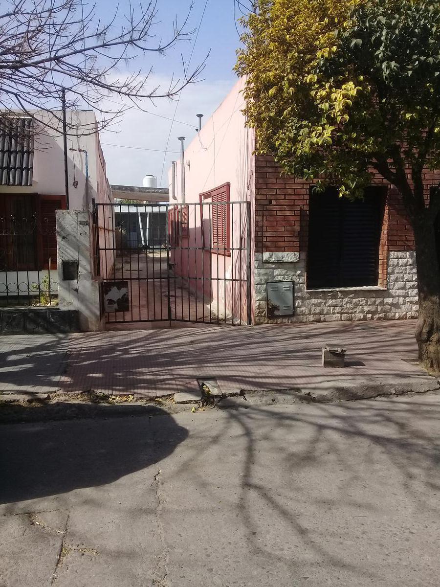 Foto Departamento en Alquiler en  Colon,  Cordoba  Granada al 2800