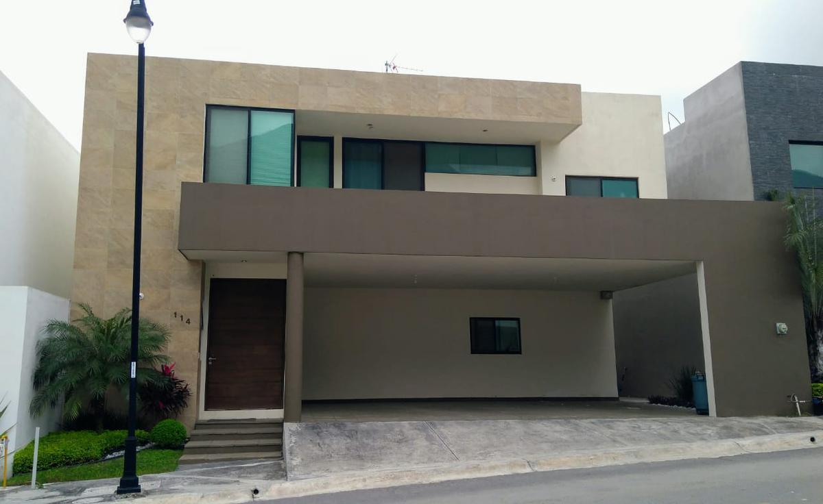 Foto Casa en Venta en  Granadas,  Monterrey  Casa en VENTA fracc privado GRANADAS  en carretera nacional Monterrey NL  (MHG)  50cv2012