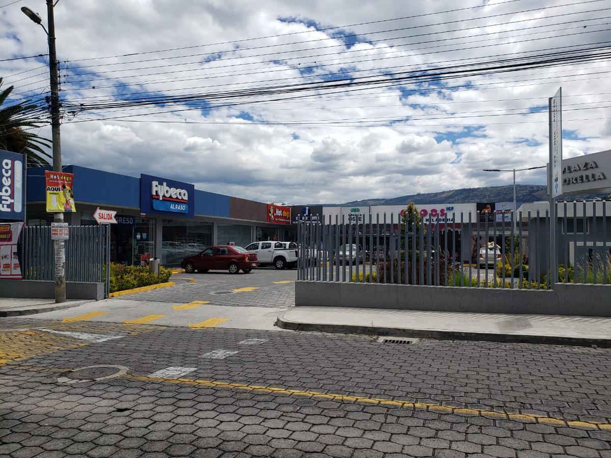 Foto Local Comercial en Alquiler en  La Armenia,  Quito  La Armenia