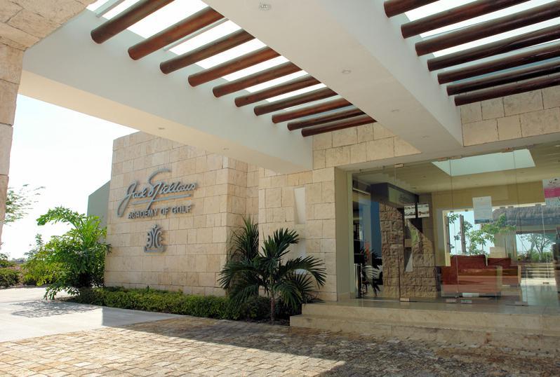 Foto Terreno en Venta en  Yucatán Country Club,  Mérida  LOTE EN VENTA 600.00 m2 EN YUCATAN COUNTRY CLUB