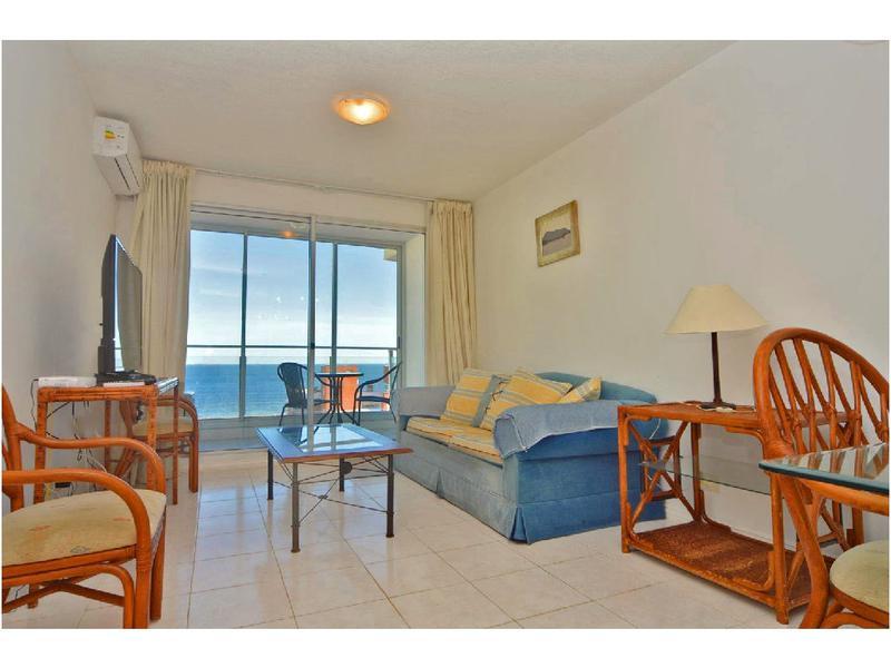 Foto Departamento en Venta en  Playa Mansa,  Punta del Este  ¡OPORTUNIDAD! Apartamento en Torre con servicios y vista a la Brava