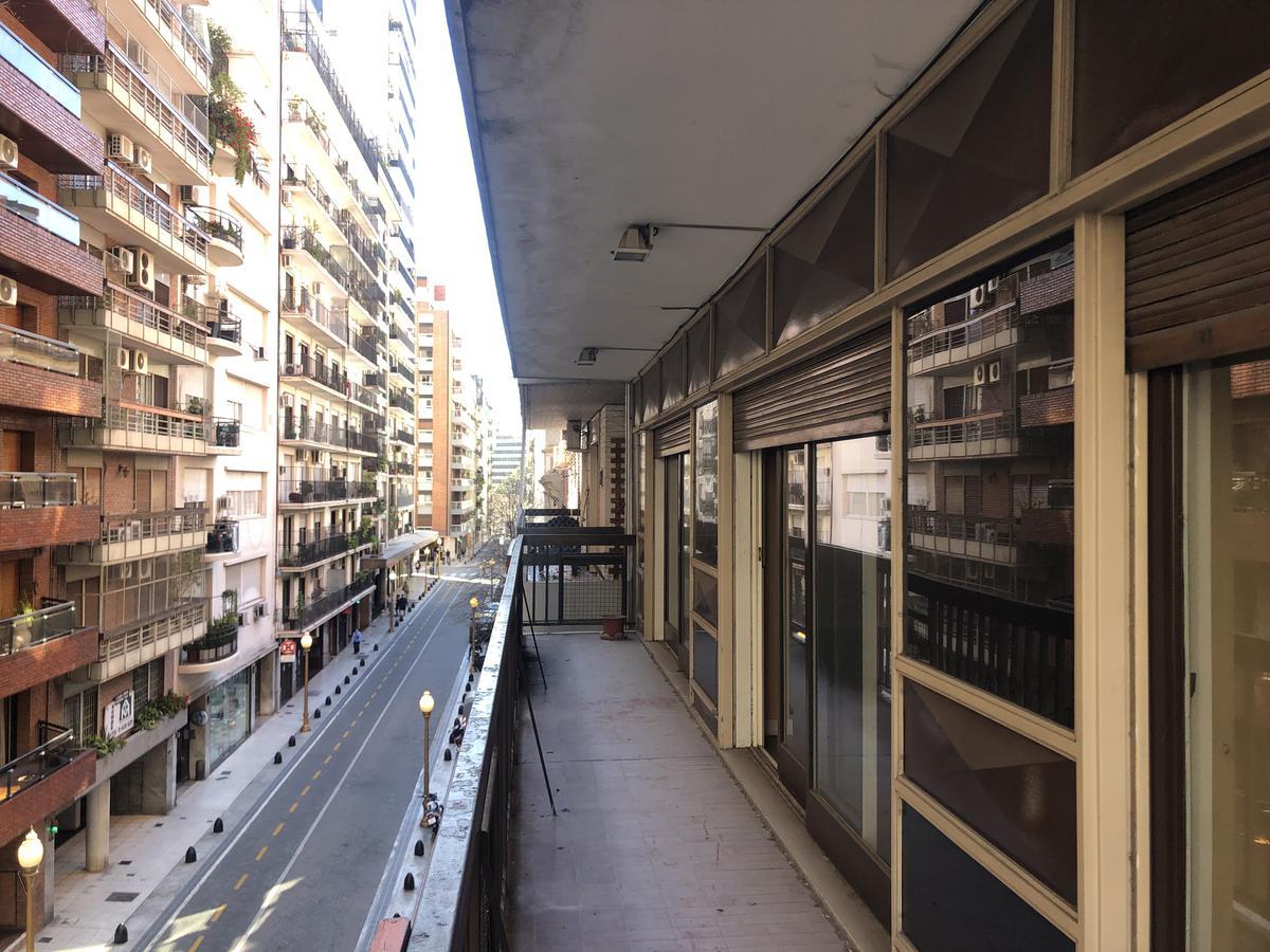 Foto Departamento en Venta en  Retiro,  Centro (Capital Federal)  Suipacha al 1200