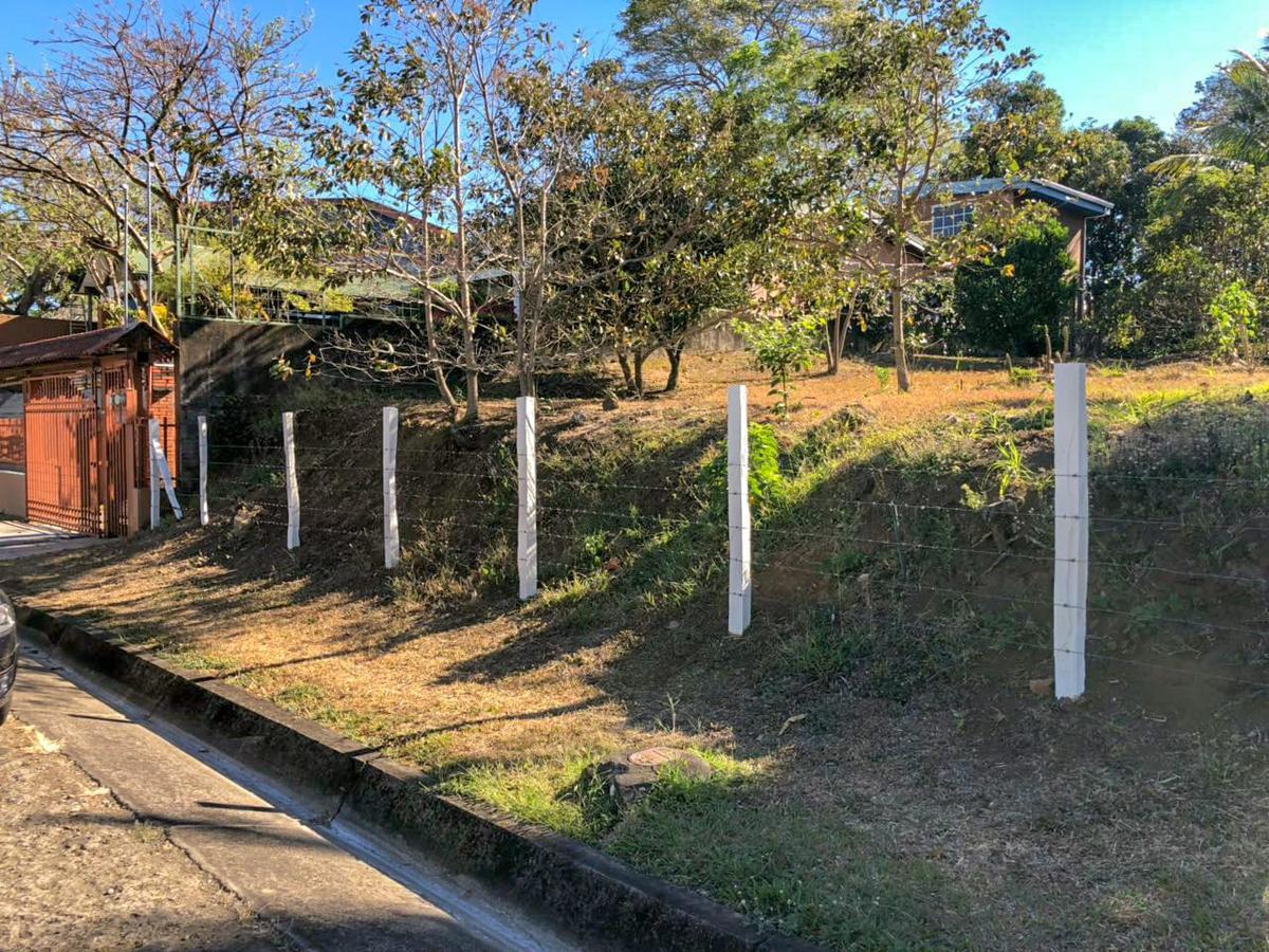 Foto Terreno en Venta en  Colon,  Mora  Plano/ Privacidad/ Naturaleza/ Seguridad/ Buena ubicación