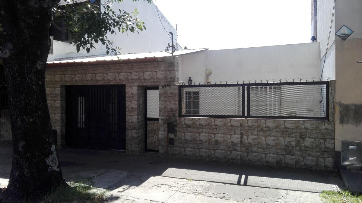 Foto Casa en Venta en  Rosario ,  Santa Fe  Teniente Agneta al 2300