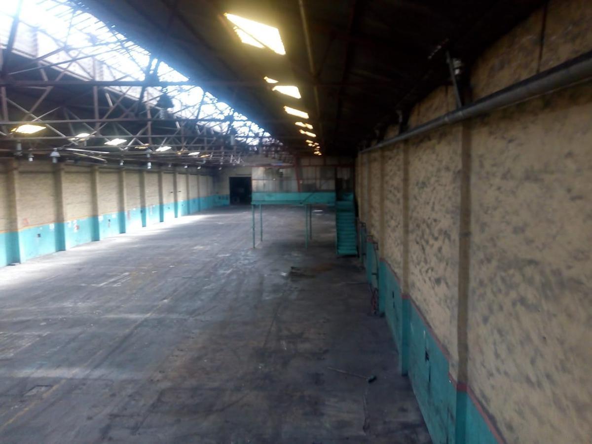 Foto Local en Alquiler en  Lanús Oeste,  Lanús  San Martin al 1300