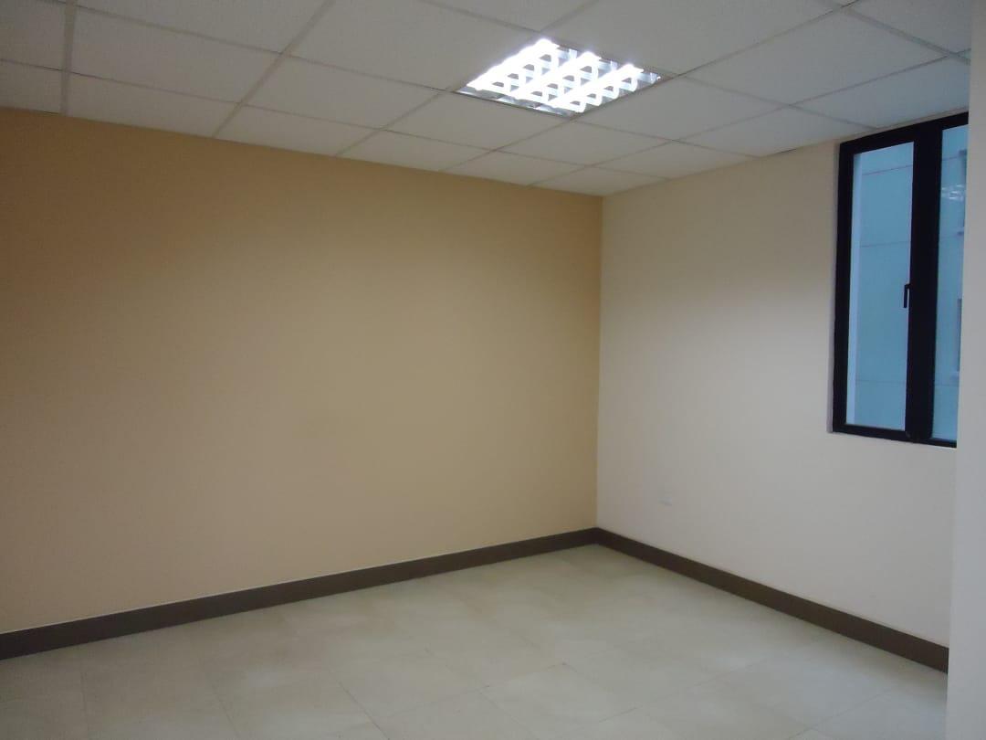 Foto Oficina en Alquiler en  Norte de Quito,  Quito  VENTA - RENTA OFICINA SECTOR PLATAFORMA FINANCIERA