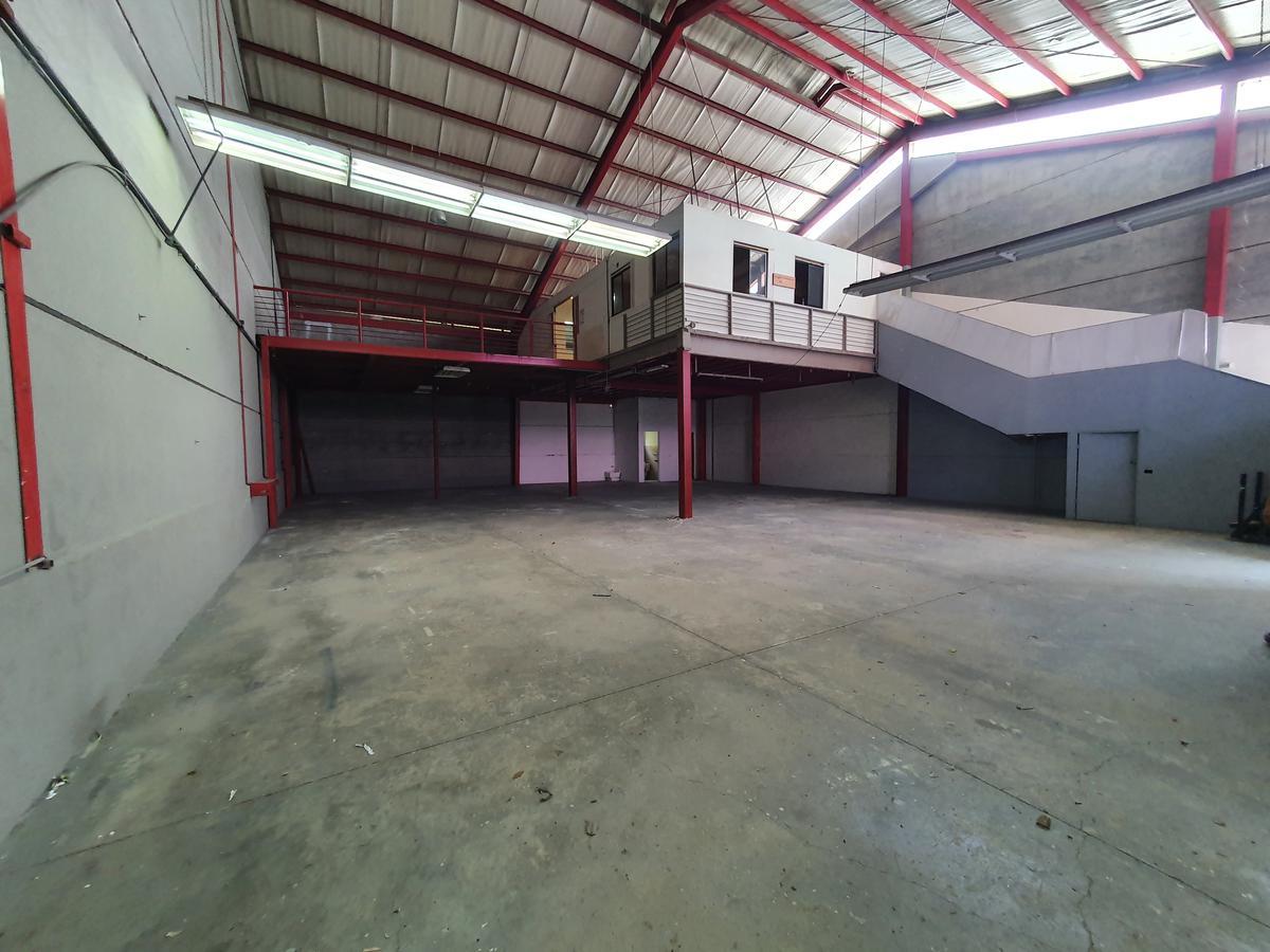 Foto Bodega Industrial en Venta en  San Rafael,  Escazu  OFIBODEGA/ Oficinas/ con 5 parqueos disponibles
