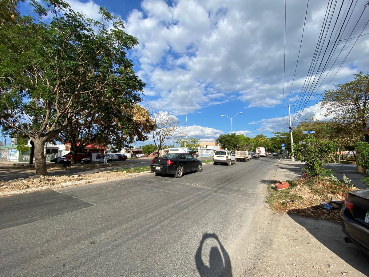 Foto Bodega de guardado en Venta en  Fraccionamiento Emilio Portes Gil,  Mérida  Bodega en Venta sobre avenida de gran circulación a unos metros de circuito colonias!!