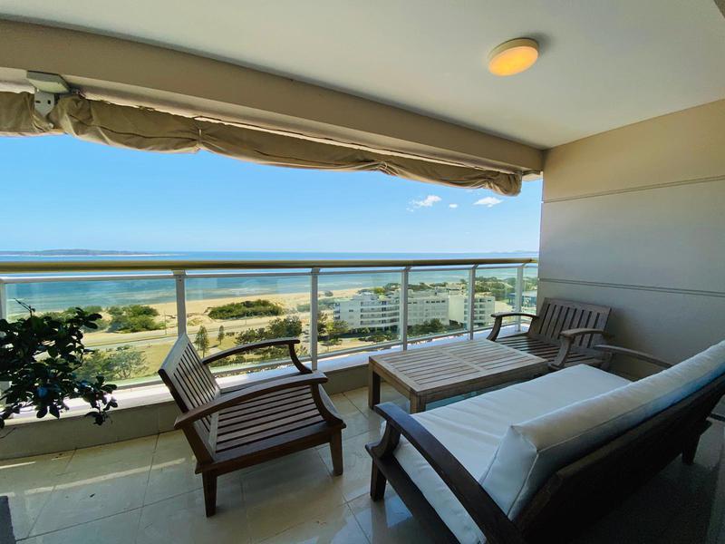 Foto Departamento en Venta en  Playa Mansa,  Punta del Este  Espectacular LE JARDIN Punta del Este