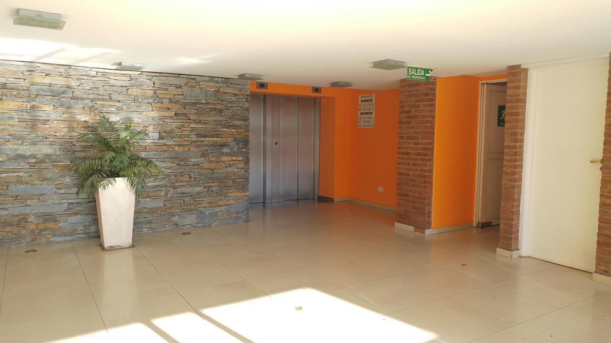 Foto Departamento en Venta en  Crisol Norte,  Cordoba  Esposos Curie al 1300