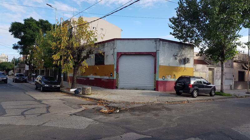 Foto Galpon en Alquiler en  Moron ,  G.B.A. Zona Oeste  Pellegrini al 300