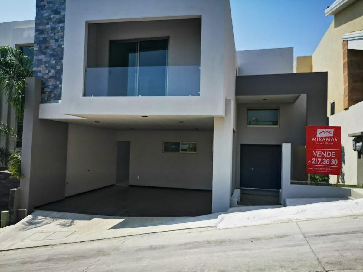 Foto Casa en Venta en  Fraccionamiento Hacienda del Rul,  Tampico  Hacienda Del Rull