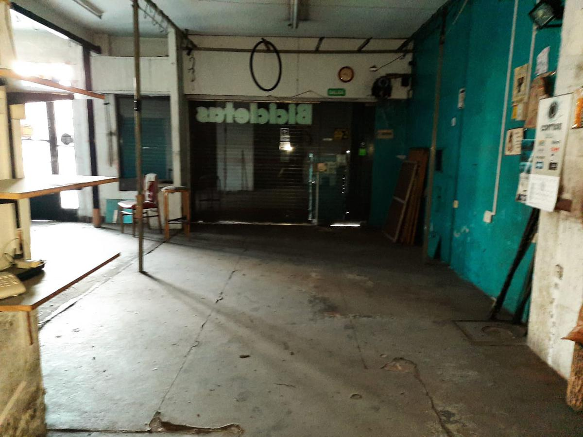 Foto Local en Venta en  Agronomia ,  Capital Federal  Av. San Martin al 4500