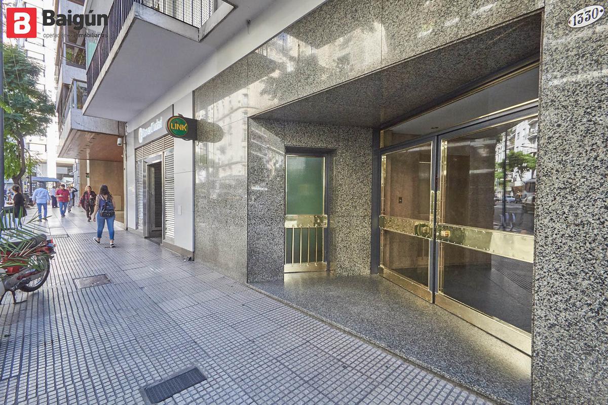Foto Departamento en Alquiler en  Recoleta ,  Capital Federal  Av. Callao al 1300