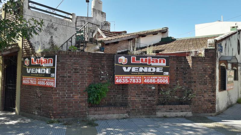 Foto Casa en Venta en  Mataderos ,  Capital Federal  Casa 3 ambientes Pola al 1.200 , con garage, patio y terraza en mataderos.