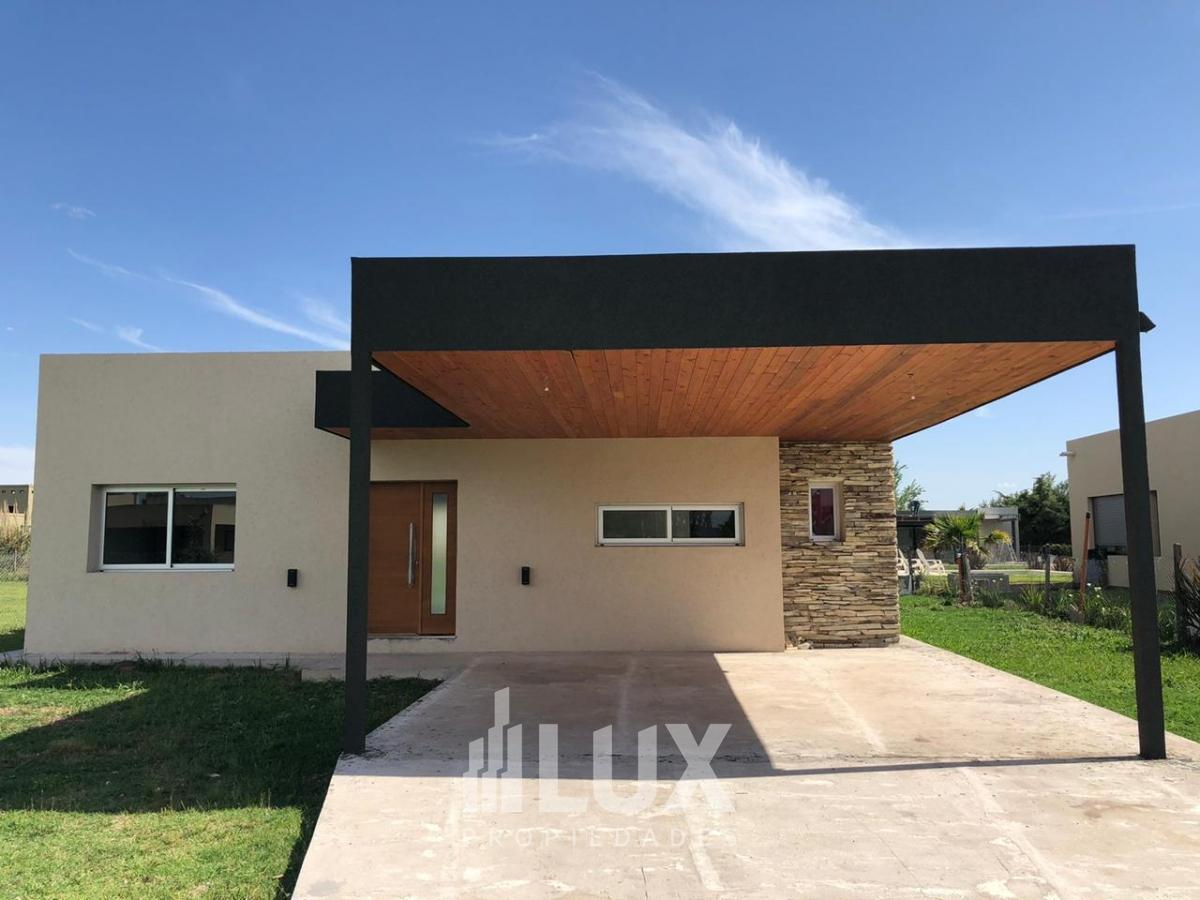 Casa en venta 2 dormitorios - Puerto Roldán, Barrio Cerrado