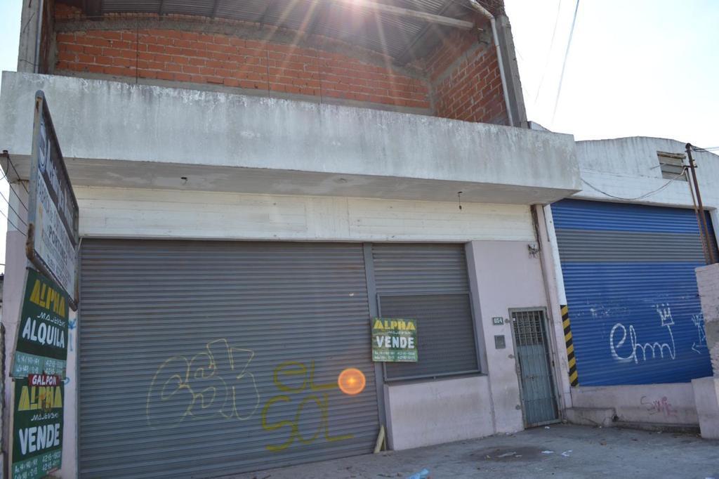 Foto Local en Alquiler en  Berazategui ,  G.B.A. Zona Sur  Calle al 100